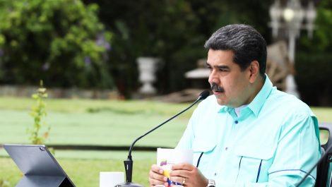 Maduro anuncia una nueva fase de vacunación con 1.300.000 dosis llegadas de China