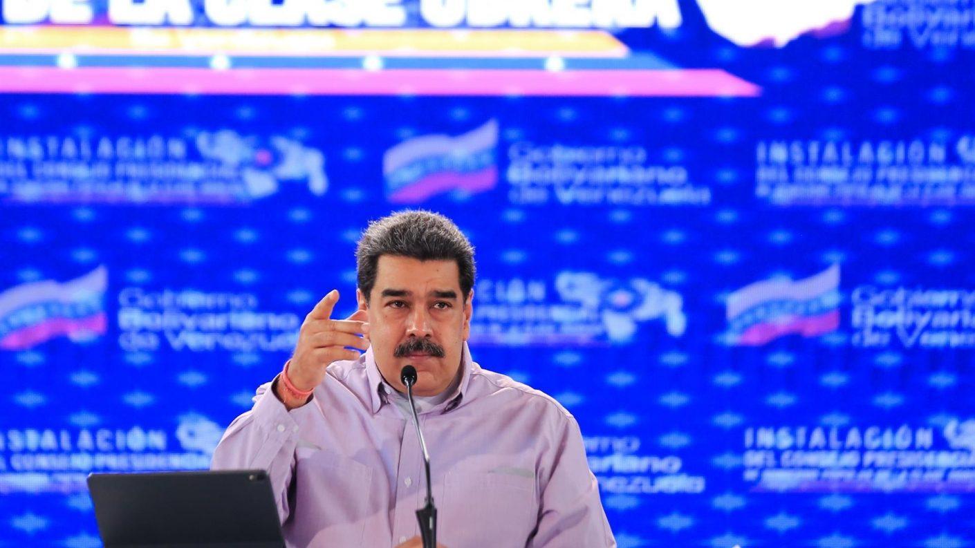 Maduro afirma que logró contener la segunda ola de la covid-19