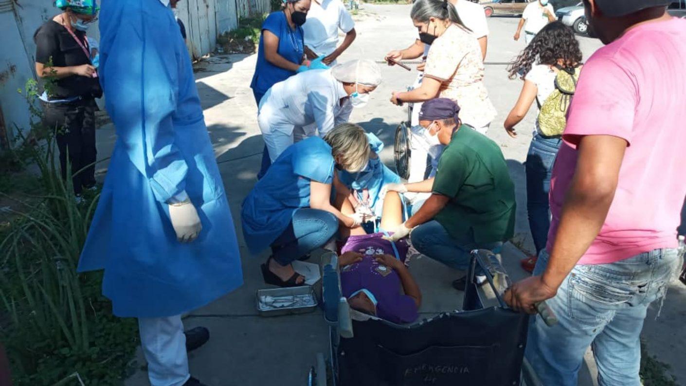 Barquisimeto: mujer dio a luz en plena acera de la calle