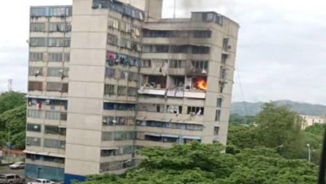 Explosión devastadora se produjo en un apartamento en Ocumare del Tuy
