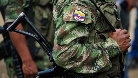Una ONG denuncia que disidentes de las FARC secuestraron a 6 militares venezolanos