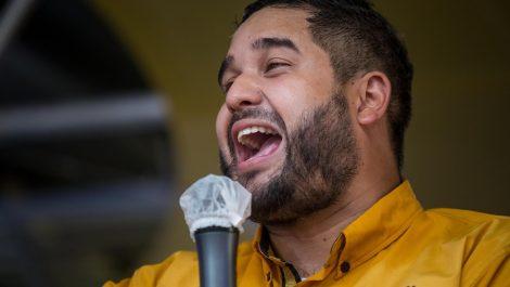 Hijo de Maduro muestra constancia de nacimiento de su padre contra las «mentiras»