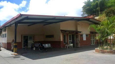 Delincuentes desvalijaron CDI en Los Teques en presencia de los pacientes y el personal médico