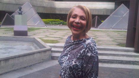 Estelita Del Llano enfrenta graves secuelas tras superar la COVID-19