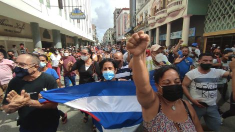 Histórico: cubanos se lanzan a las calles al grito de «¡libertad!»