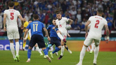 Italia rompió una maldición de 52 años y levantó la Eurocopa