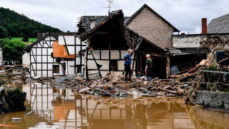 Alemania: más de 100 muertos, 1.300 desaparecidos y casas destruidas tras inundaciones