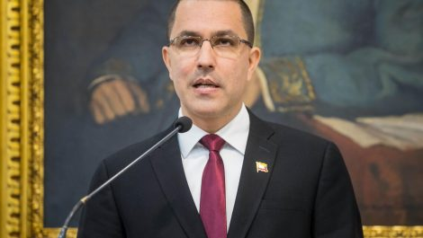 Venezuela tacha a Duque de «cínico» por acusarle de albergar a guerrilleros