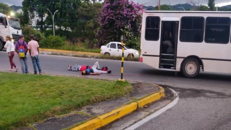 Funcionario de Polisucre abatió a cuatro delincuentes que pretendían robar a pasajeros en un autobús
