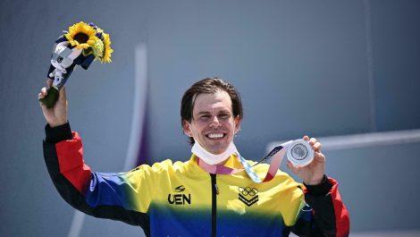 Daniel Dhers se alza con medalla de plata y consolida su leyenda