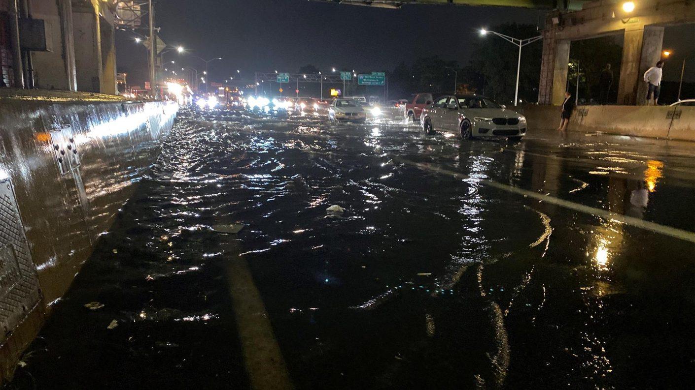 Un gran diluvio deja importantes inundaciones en Nueva York (+vídeo)