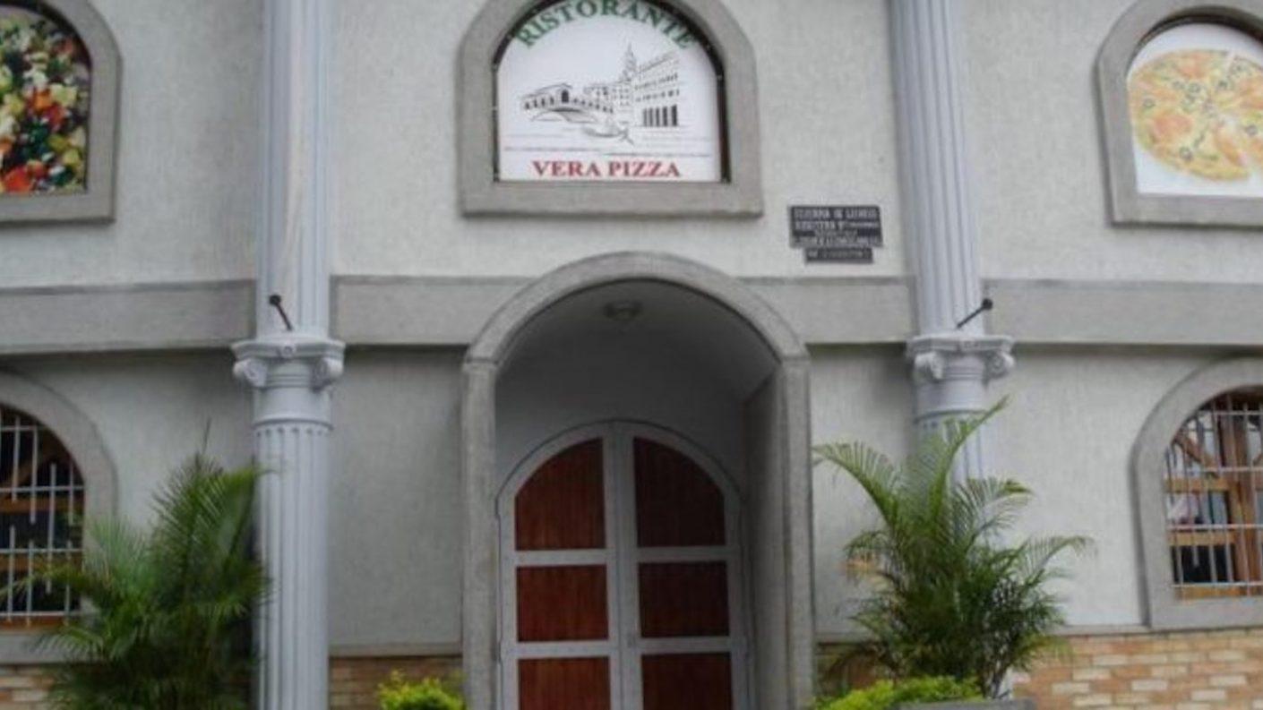 Autoridades de Chacao sancionan al local Vera Pizza por acto discriminatorio a pareja gay