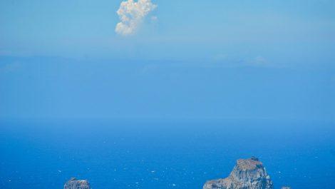 Más evacuaciones en La Palma al emerger nueva boca eruptiva del volcán (+FOTOS)