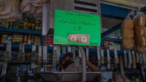 Gobierno venezolano pide denunciar a comerciantes con tasa de cambio paralela