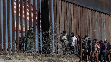 Estados Unidos reabrirá sus fronteras terrestres y aéreas el 8 de noviembre