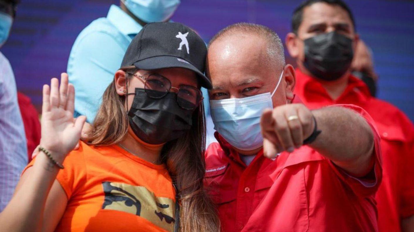 Rosinés Chávez, hija de Hugo Chávez, regresó a Venezuela y participó en un mitin