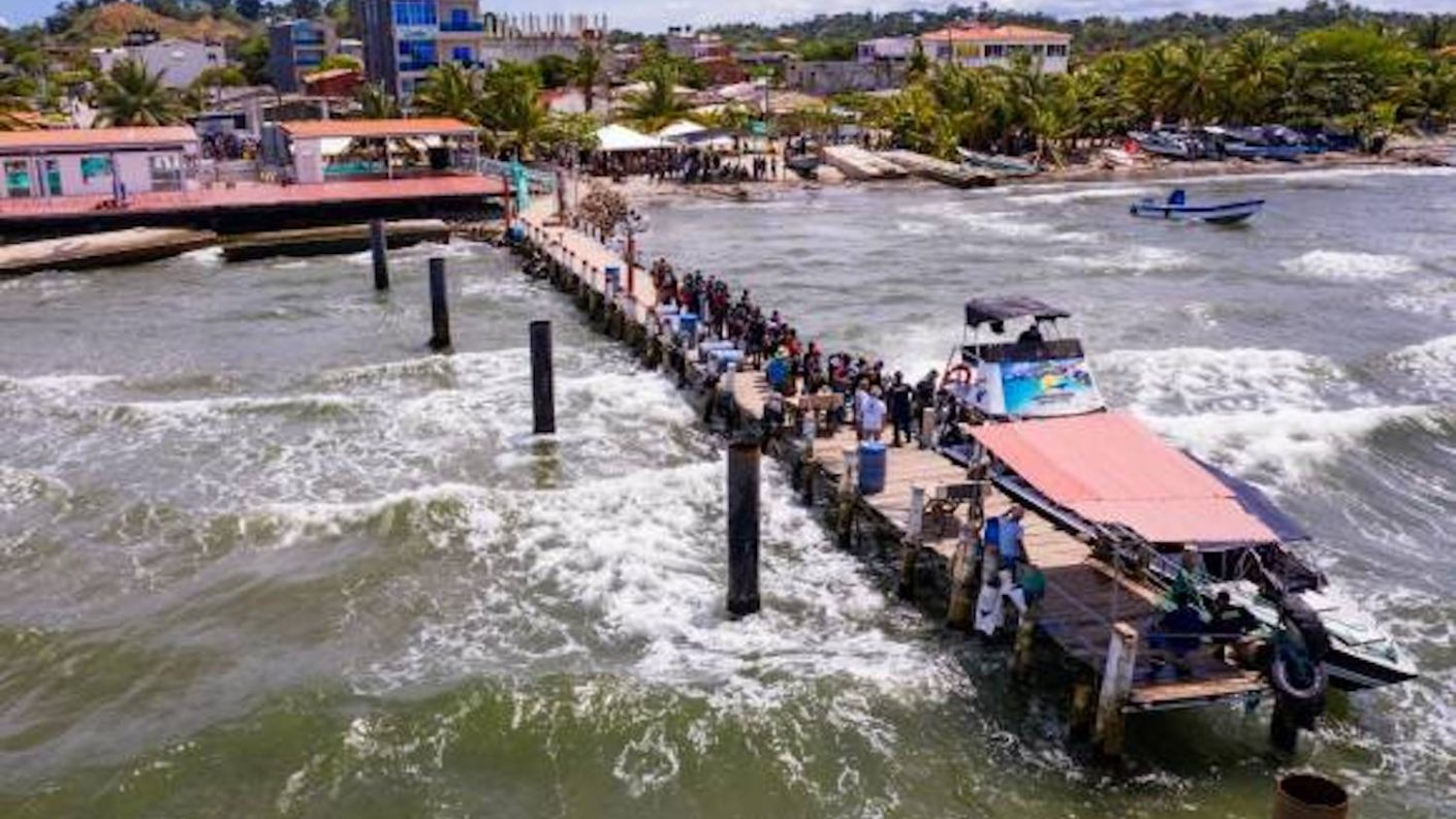 Autoridades colombianas continúan la búsqueda de seis migrantes en Urabá